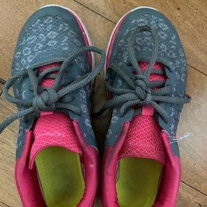Champion tennis shoes Size 2 1/2
